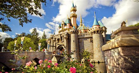 40 Things You Need to Do in Disneyland and California